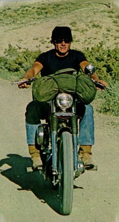 Then Came Bronson, played by Michael Parks from when I was in Junior High School. Though only a TV role, this was the image in my head and the impetus for me later becoming the type of biker I am today. Hd Vintage, Vintage Bikes, Vintage Motorcycles, Vintage Movies, Motorcycle Camping, Camping Gear, Motorcycle Posters, Old Bikes, Easy Rider