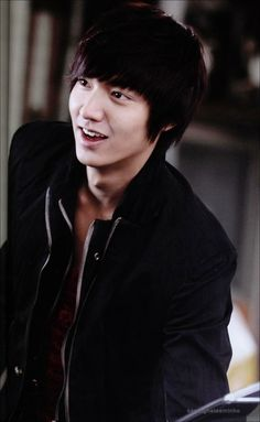 Age: 26 Birthday: June 1987 Born in: Heukseok-dong, Dongjak-gu, Seoul, South Korea Started acting in the year of his Highschool Career Favorite Color: Black & White Favorite Food: Grilled. So Ji Sub, Korean Celebrities, Korean Actors, Lee Min Ho Photos, The Great Doctor, Park Min Young, City Hunter, Boys Over Flowers, Korean Men