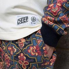 bottom t-shirt tag