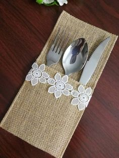 Set of Silverware Holder,Burlap table decoration,Rustic table decor, Wedding Table Set,Tab Burlap Table Decorations, Burlap Table Runners, Burlap Silverware Holder, Wedding Silverware, Sewing Crafts, Sewing Projects, Bridesmaid Belt, Rustic Wedding, Decor Wedding