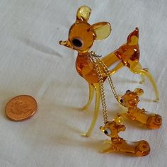 Vintage Murano Miniature Deer and Two Fawns, by Vintybits - Here is a delightful Murano miniature glass deer and her two fawns tied together with a gold coloured chain. In very good condition and very collectable. 1970s Childhood, My Childhood Memories, Nostalgia, Glass Animals, My Memory, Old Toys, The Good Old Days, Old Things, Miniatures