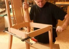 Step-by-Step Elegant Chair Woodworking Plan from WOOD Magazine Wood Projects For Beginners, Diy Wood Projects, Furniture Projects, Furniture Plans, Furniture Design, Ikea Furniture, Furniture Stores, Wooden Furniture, Chair Design