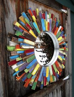 Reclaimed Wood Colorful Sunburst Mirror I could make this Woodworking Guide, Custom Woodworking, Woodworking Projects Plans, Reclaimed Wood Projects, Salvaged Wood, Wooden Wall Art, Wood Art, Wood Animals, Wood Tile Floors