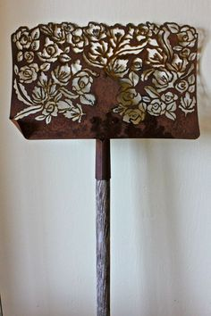 Handmade, plasma-cut shovel