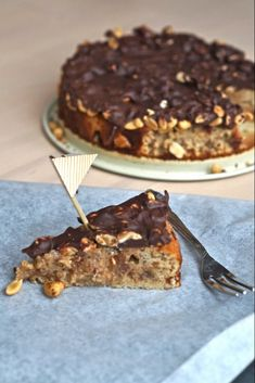 Zucchini cake with pine nuts - Clean Eating Snacks Gourmet Recipes, Sweet Recipes, Cake Recipes, Healthy Cake, Healthy Desserts, Healthy Protein, Healthy Foods, Danish Dessert, Savoury Cake