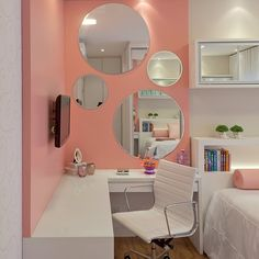 Bomm diaaa fofurass!! Agarre a alegria e curta o seu dia!! Detalhes quarto feminino!!  #bomdia #interiores #instadecor #interiordesign #decor #decoracao #decorating #decorbrazil #decorlovers #decoracaodeinteriores #architect #arquiteta #arquiteturadeinteriores #quartomenina #rosa #espelho #marianemarildabaptista