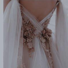 Queen Aesthetic, Princess Aesthetic, Ball Dresses, Ball Gowns, Pretty Dresses, Beautiful Dresses, Fantasy Gowns, Fairytale Dress, Dream Dress