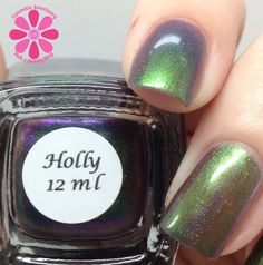 Colors By Llarowe Holly Swatch - Cosmetic Sanctuary; Brand: Colors By Llarowe, Name: Holly, Collection: Winter 2013, Color: Multi, Shade: Medium, Finish: Crème, Type: Duochrome Holo