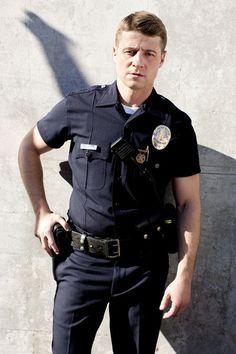Ben McKenzie Joins Norwegian Film The Swimmer Police Cops, Police Officer, Ben Mckenzie Gotham, Police Tv Shows, Benjamin Mckenzie, Dc Comics, Jim Gordon, Gotham Tv, Hot Cops