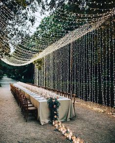 10 Tips to Throw Your Dream Backyard Wedding - Green Wedding Shoes. How to Plan Backyard Outdoor Party Wedding wedding party 10 Tips to Throw Your Dream Backyard Wedding - Green Wedding Shoes Wedding Goals, Chic Wedding, Perfect Wedding, Wedding Planning, Dream Wedding, Wedding Rustic, Wedding Night, Wedding Shoes, Wedding Trends