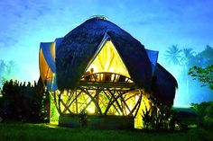 Bungalow in Tegalallang Gianyar, Indonesia. A main feature of the NewEarth Haven project, our unique bio-architecture elevated dome with upstairs bedroom, is situated in an operating rice field, utilizing the latest in technology, (touch panel lighting, local wi-fi) and focusing on a small ...