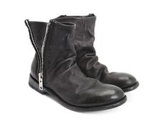 Feeling the need for a hip and casual unisex ankle boot, John created The Malcolm. Goodyear welted using soft, robust Mexican leathers on a rounded toe shape, leather soles with injected rubber inserts, oversized zippers, and raw canvas piping, The Malcolm Boot has a worn and pre-aged effect while creating the perfect everyday boot. Living to change the world.instagram @fluevog #vog_malcolm Available sizes M6/W8 to M13. (To calculate the women's sizes = men's + 2)Instagram @fluevog…