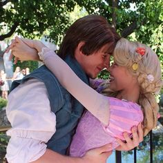 Rapunzel and Flynn Disney Rapunzel, Arte Disney, Disney Magic, Princess Rapunzel, Disney Fairies, Princess Bubblegum, Disney Couples, Disney Love, Disney Parks