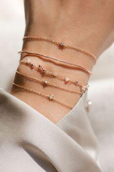 Dainty gold bracelets #GoldBracelets