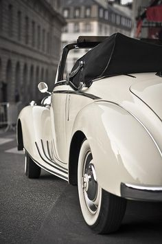 Mercedes Benz in Paris, photo by bigeye bubblefish. Via: http://stellaresque42.tumblr.com/post/92208602459/lifeisverybeautiful-mercedes-by-bigeye