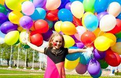 Подари настроение на весь день себе и окружающим. Есть много чего интересного, что может поднять настроение, одно из них – воздушные шарики с гелием. Ты можешь прикалываться со своими знакомыми и друзьями или с родственниками, когда тебе скучно. Тогда придумай сценку и закажи для такого случая шарики с гелием, они помогут тебе разыграть или повеселить своих близких. Вдохни гелий из шарика и спой песенку голосом Скруджа Магдака. Особенно интересно будет такие миниатюры для детей, но взрослые…