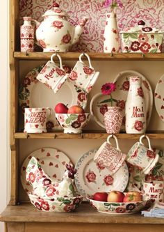 Pottery by Emma Bridgewater – made in Britain – proud to be the sixth biggest employer of potters in Staffordshire.