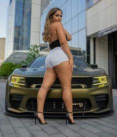 Classy Sexy Outfits, Mopar Girl, Curvy Plus Size, Nice Legs, Car Girls, Poses, Woman Crush, Car Show, Pretty Woman