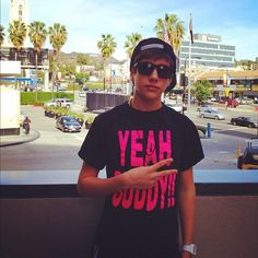 "Austin mahone is wearing a ""yeah buddy"" shirt!!!"
