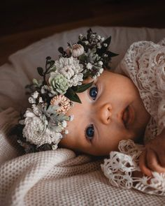 Baby Girl Photos, Cute Baby Pictures, Newborn Pictures, Cute Kids, Cute Babies, Baby Kids, Newborn Photography Poses, Baby Wrap Carrier, Cute Little Baby