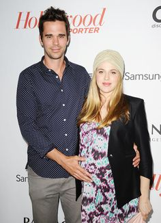 David Walton & Majandra Delfino Whaaaat! Random find! Crazy coincidence- my fave chick from Roswell is with muh new man crush!