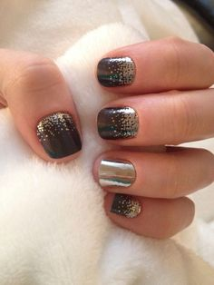 Midnight Celebration and Metallic chrome silver so cute for new years http://katlove.jamberrynails.net