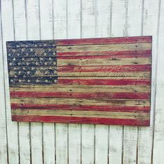 American flag, Made to look Very Vintage, old, Rustic Pallet Flag. Wood American flag, Distressed Am Pallet Flag, Wood Flag, Wood Pallet Signs, Pallet Art, Pallet Projects, Wood Signs, Pallet Ideas, Kid Projects, Outdoor Projects