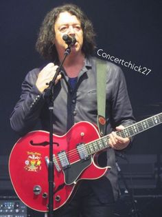 Click on Roland Orzabal to see