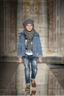 Monnalisa Fashion Show Palazzo Corsini, Florence 23 January 2016 Teen Girl Fashion, Little Boy Fashion, Boys Winter Clothes, Little Boy Outfits, Boys Suits, Little Fashionista, Trendy Kids, Kind Mode, Kids Wear