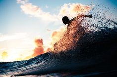 Everything's better during golden hour  || @luix.axta #livewaiakea