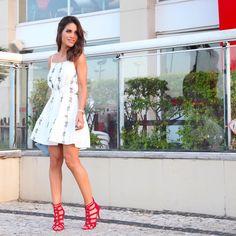 """Camila Coelho no Instagram: """"#FromYesterday ❤️ Wearing @riachuelo Dress! ------ Look completo de ontem - usando vestido lindo da coleção Primavera /Verão da @riachuelo ❤️ #ootd #lookdodia"""""""