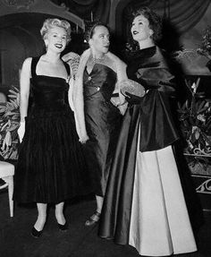 New York. First Party of the season Famed designer Mme Schiaparelli chatting with two of the famed Gabor Sisters, Eva and Magda Magda Gabor, Eva Gabor, Elsa Schiaparelli, Gabor Sisters, Decades Fashion, Hungarian Girls, Fashion Words, Zsa Zsa, Fashion Designer