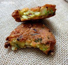 Maayeka - Authentic Indian Vegetarian Recipes: Masala Vada /Lentil Fritters