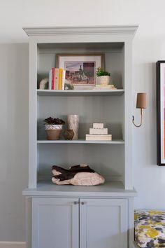 Facing The Blank Book Case: How To Style Shelves on Home Shelves Ideas 9401 Styling Bookshelves, Small Bookshelf, Shelves Around Fireplace, Etagere Bookcase, Display Shelves, Shelving, House Rooms, Living Room, Interior Design