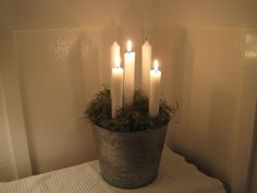 Moss candle in galvanized bucket - couldn't use the dried moss, too much of a fire hazard.
