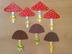 Mushroom Craft Idea We created lots of mushroom crafts for you. İf you want to make some mushroom crafts with your kids or students you can look and inspire by our created mushroom crafts. Preschool Crafts, Kids Crafts, Diy And Crafts, Arts And Crafts, Paper Crafts, Toddler Crafts, Diy Paper, Pop Stick Craft, Craft Stick Crafts