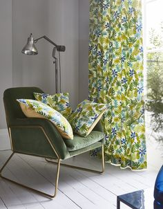 Recreate the vibrancy of the tropics with the help of bold colours 💚If you want to add a exotic touch look to tropical inspired window furnishings, cushions and lamp shades 🏖 . Decor Interior Design, Interior Styling, Interior Decorating, Chill Out Room, Interior Inspiration, Design Inspiration, Upholstery Repair, Prestigious Textiles, Curtains With Blinds