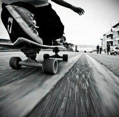skateboards skating skate skateboarding carve carving cruising bombing bomb hills not countries hills roads pavement Bmx, Urbane Fotografie, Skate Photos, Skate And Destroy, Skate Style, Skate Surf, Foto Pose, Photo Instagram, Skateboards