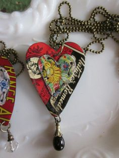 """Tin Necklace Layered Hearts """"Graphics and Gardens"""" Tin for the Ten Year… Recycled Jewelry, Metal Jewelry, Vintage Jewelry, Handmade Jewelry, Jewelry Crafts, Jewelry Art, Jewelry Design, Heart Graphics, Do It Yourself Jewelry"""