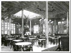 VALENCIA EN BLANCO Y NEGRO: EL CAFÉ DE ESPAÑA....Revestido con reminiscencias árabes, su ambiente era el de la música de ópera surgida de un piano que hacía silenciar los murmullos que llenaban el interior de sus salones. ......