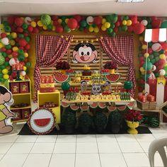 A imagem pode conter: área interna Watermelon Birthday Parties, Princess Sofia, Gingerbread, Decoration, Picnic, Arts And Crafts, Birthday Cake, Party, How To Make