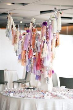 低コストでDIY✳︎紙で作れる《ペーパータッセル》の可愛い結婚式活用方法まとめ♡にて紹介している画像