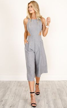 Dream Yourself Jumpsuit In Grey Marle Linen Look You'll be the most stylish gal in the office in this gorgeous flared jumpsuit, featuring side and back cut-outs, and a modest neck line. Style with nude heels and your fav neutral bag. Mom Outfits, Summer Outfits, Cute Outfits, Trendy Fashion, Fashion Outfits, Womens Fashion, Casual Chic, Casual Looks, Street Style