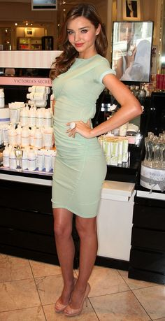 Love the mint green dress! http://www.huffingtonpost.com/2012/04/20/miranda-kerr-style_n_1432941.html#