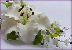 """Свадебные украшения ручной работы. Ярмарка Мастеров - ручная работа """"Лилия -невеста """" на зажиме. Handmade."""