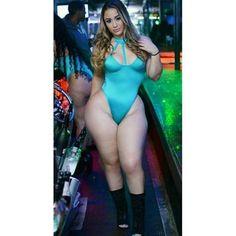 #booty #bootyfordays #datass #cheeks #cakes #cakes #shebad #curves #stacked #culos #culona #bunda #bundao #bunduda #gostosa #delicia #hips #hipsdontlie