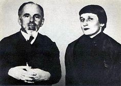 Anna Ajmatova y Ossip Mandelstam. Anna Akhmatova, Meeting Of The Minds, Russian Literature, Writers And Poets, Famous Couples, Silver Age, Russian Art, Book Collection, Famous People