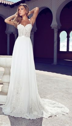 Stylish Julie Vino wedding dress