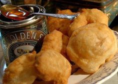 Quick and Easy Deep Fried Fritters (South African Vetkoekies) - Alta De Lange Vermaak - African Food South African Dishes, South African Recipes, Ethnic Recipes, Kos, Churros, Ma Baker, Snack Recipes, Cooking Recipes, Bread Recipes