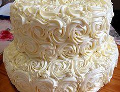 La Mesa de Bizcochos | Pasteles de Boda #pastel #pasteldebodas #rosetas #weddingcake #pastelblanco #lamesadebizcochos www.lamesadebizcochos.com